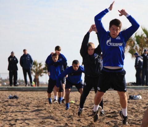 Сборы молодежного состава в Турции: 29 января 2012, утренняя тренировка.