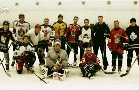 Футболисты Зенита играют в хоккей
