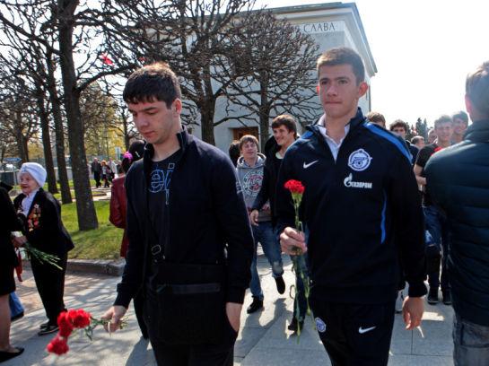 Молодежный состав Зенита почтил память жертв Великой Отечественной войны