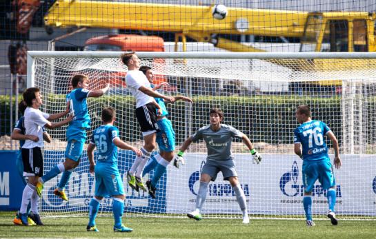 Матч первенства России среди команд второго дивизиона, «Зенит-2»— «Торпедо».