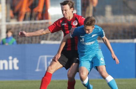 Футбольный матч «Зенит-2» — «Знамя Труда»
