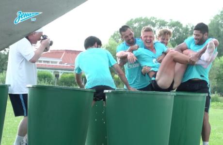 Видео дня на «Зенит-ТВ»: погружение Шатова в ледяную бочку