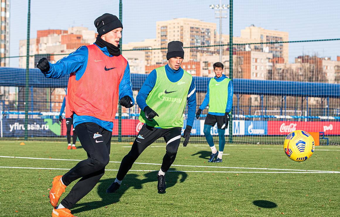 «Зенит»-м и команды U-18 и U-17 отправились на первые тренировочные сборы в Турции